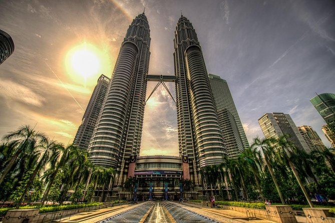 Private Tour : Wonders of Kuala Lumpur with Skip The Line Petronas Twin Towers