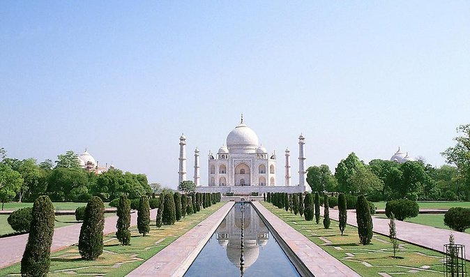 Pune Taj Mahal Same Day Tour By Flight And Car