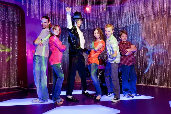 Madame Tussauds and Hollywood Behind-the-Scenes Tour Package