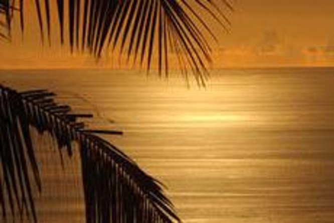 Hoguera en Freeport en la playa al estilo de las Bahamas, Freeport, BAHAMAS