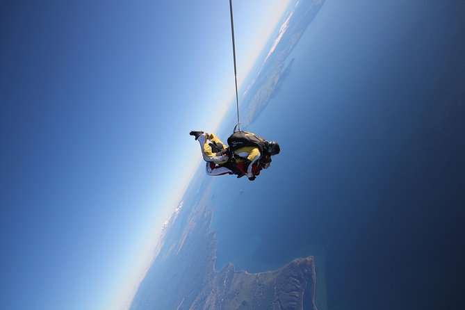 Lake Taupo 12,000-Foot Tandem Skydiving