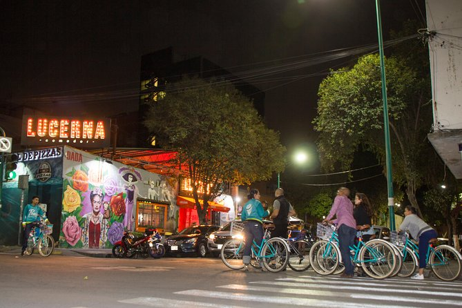 SPECIAL NIGHT LIFE Mexico City Light´s Bike Tour