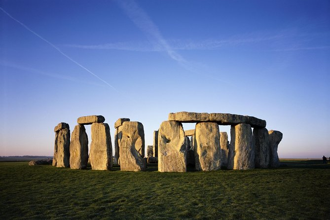 Stonehenge, Windsor Castle, and Bath with London Hop-on-Hop-off Tour