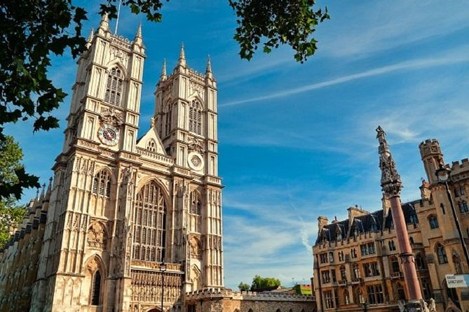 Tower of London Tour Including Afternoon Tea at Westminster Abbey