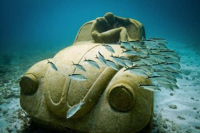 Catamaran Tour to Isla Mujeres and Snorkeling in the Underwater Museum of Art