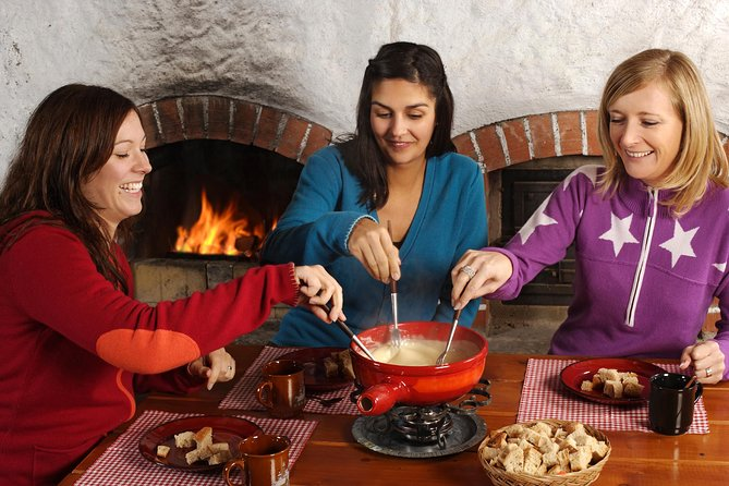 Culinary Tour from Zurich with Traditional Swiss Cheese Fondue Dinner