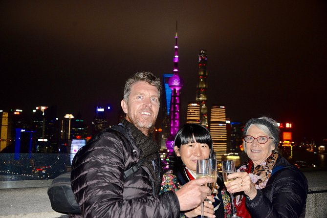 Delightful Shanghai Night Tour & Food Tour with Rooftop Bar or Rivercruise photo 1