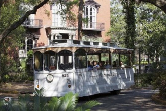 Historic Hop-On and Hop-Off Trolley Tour of Savannah