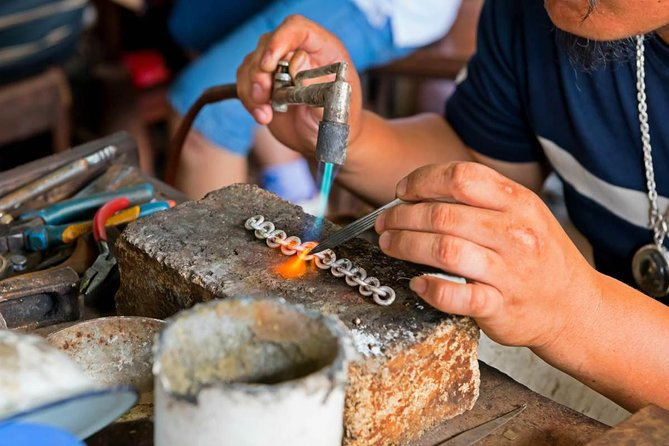 Private Tour: Bali Full-Day Silver Making Workshop
