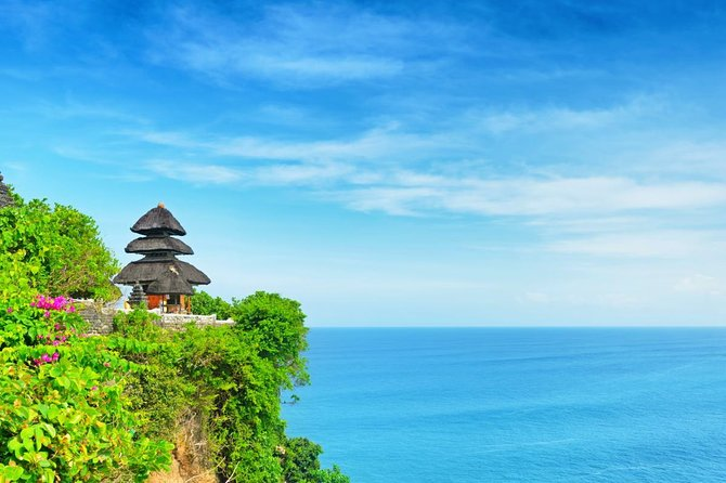 Private Tour: Bali Classic Including Uluwatu Temple and Dinner at Jimbaran Bay