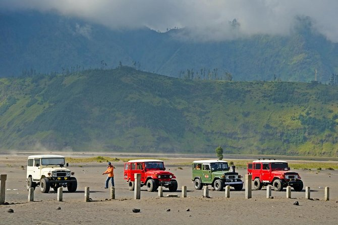 Private 10-Hour 4WD Bromo Volcano Sunrise Tour from Surabaya