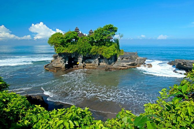 Private Tour: Bali's Sea Temple and Sunset on Canggu Beach