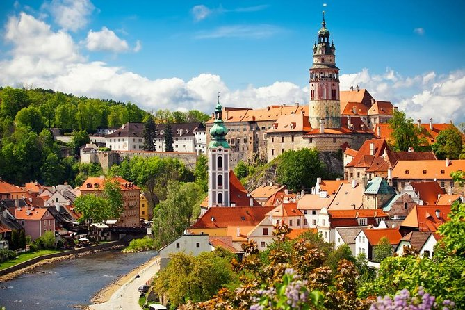 Tour of Český Krumlov with Lunch in Medieval Tavern. Included pick up & drop off