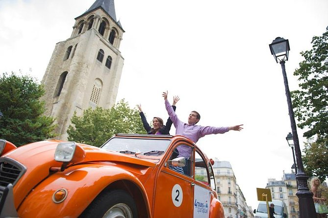 Private Tour: Secret Paris Tour in 2CV