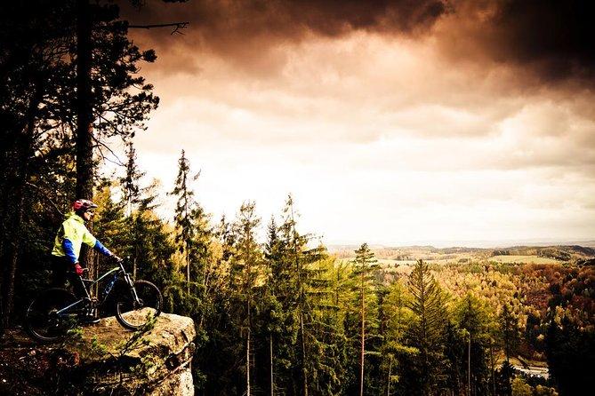 Epic Mountain Bike Tour en las montañas checas desde Praga