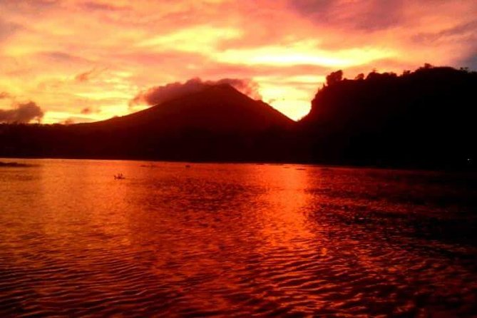 Mount Batur Sunrise Trekking Guide With Banana Sandwhich Breakfast on The Peak