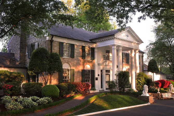 Elvis Presley's Graceland Tour with Audio Guide & Airplanes
