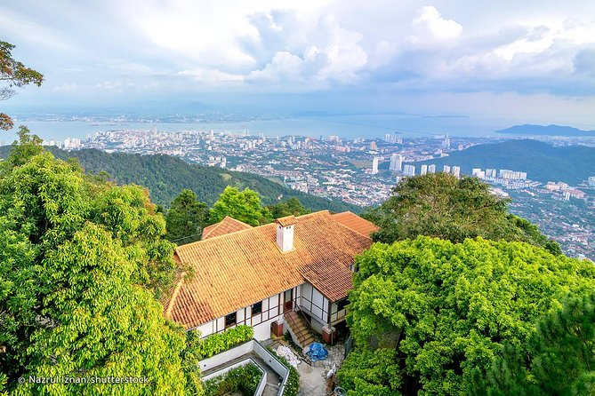 Private tour with local: Full day Penang Hill and Temples and City Grand tour