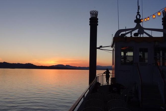 Lake Mead Last Vegas 3-Course Dinner Cruise on Steamboat
