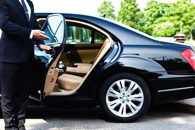 Private Airport Transfer from Larnaca Airport in a 6-seater taxi