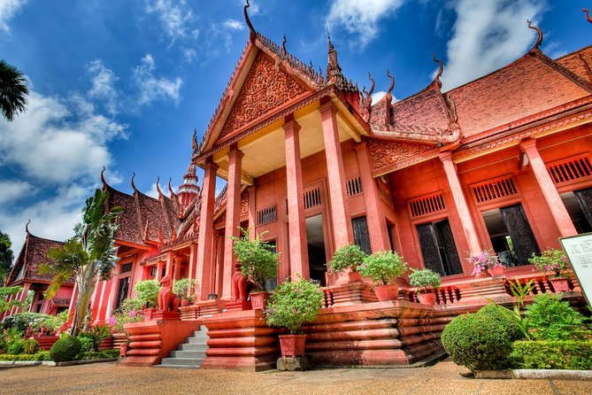 Full-day Private Phnom Penh National Museum and Royal Palace Tour photo 1