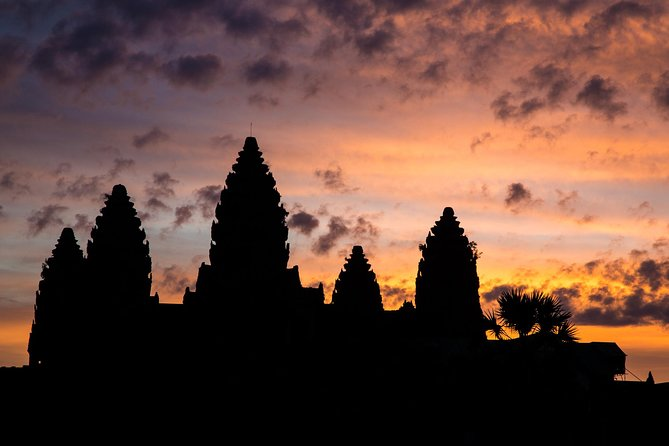 Angkor Wat Sunrise Small Group Tour from Siem Reap