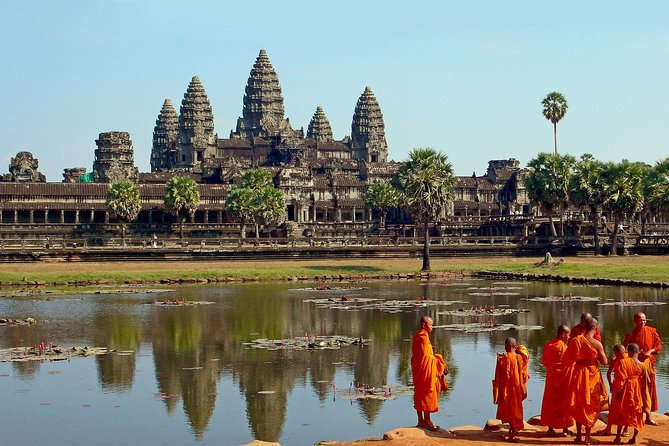 Angkor Wat Private Full Day Tour from Siem Reap photo 1