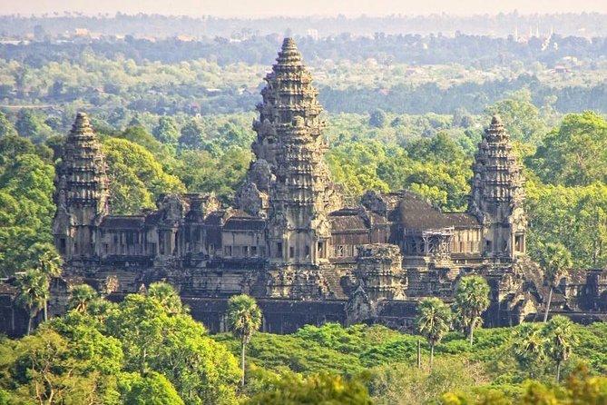 2-Day Best of Angkor Wat and Tonle Sap Lake Tour