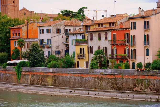 Verona like a local: tour and wine tasting in an Osteria
