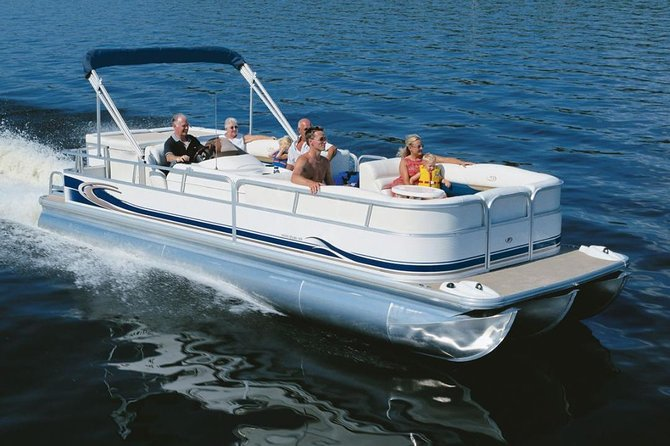 1-hour Private Pontoon Boat Rental on Lake Bryan