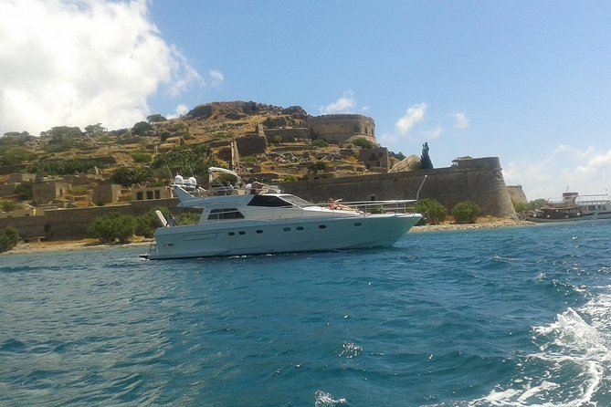 Motor Yacht Charter - 16 meter 52 feet - 10 Guests possible - Full day trip