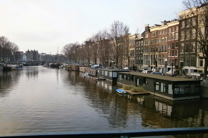 Scenic highlights of Amsterdam 3 hours bike tour