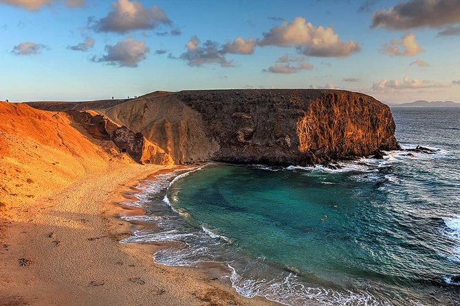Papagayo Beaches Catamaran Cruise with Lunch and Round-Trip Hotel Transfers