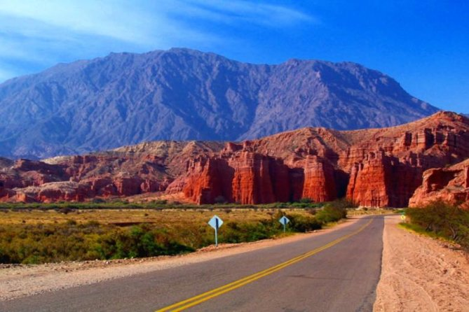 Cafayate, Vineyards and Calchaquies Valleys Tour from Salta