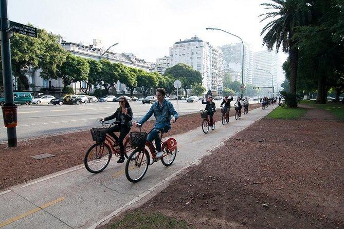 Recorrido en bicicleta en los barrios del norte de Buenos Aires
