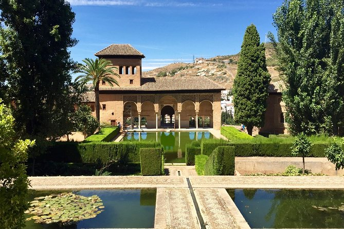Skip-the-line: Alhambra & Nasrid Palaces guided tour