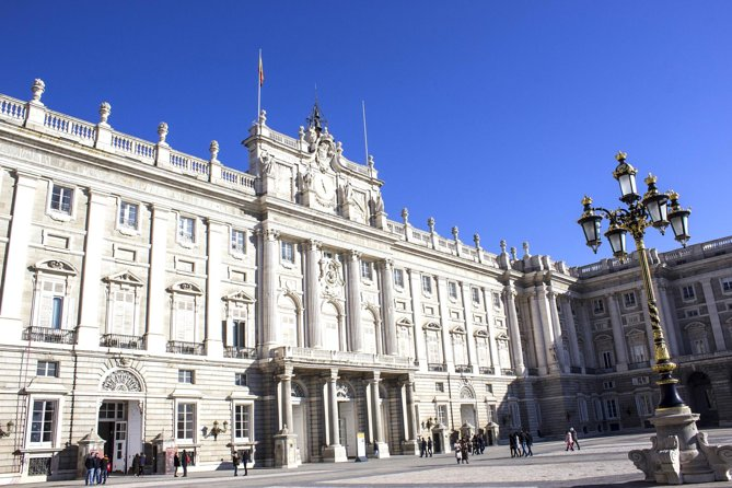 Skip-the-line Madrid Royal Palace and Tapas Experience