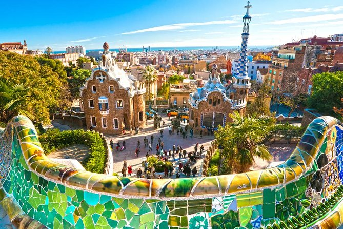 Private Guided Barcelona Highlights Tour with Hotel Pick-up