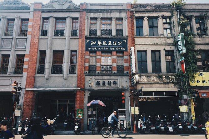 Half-Day Walking Tour of Taipei's old district Dadaocheng