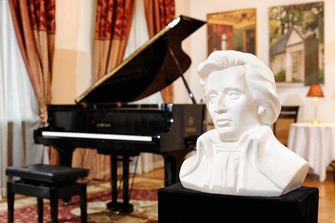 Chopin Piano Concert na Chopin Gallery em Cracóvia com um copo de vinho