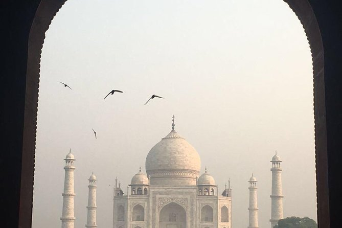Golden Tingle Tour (delhi agra jaipur) by car