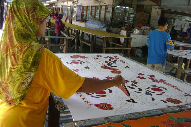 Flavours Of Penang Including Batik Workshop and Local Lunch