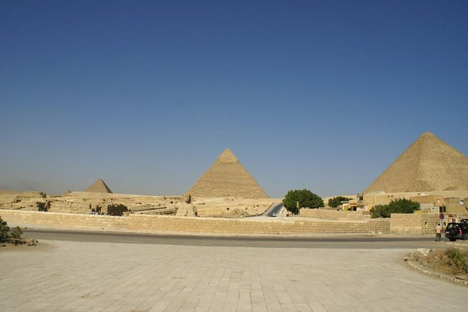 Layover day at The pyramids,Egyptian Museum and Khan ElKhalili Bazaar