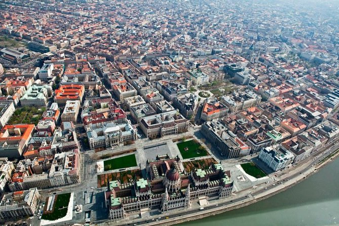 Scenic Flight above Budapest by Private Plane