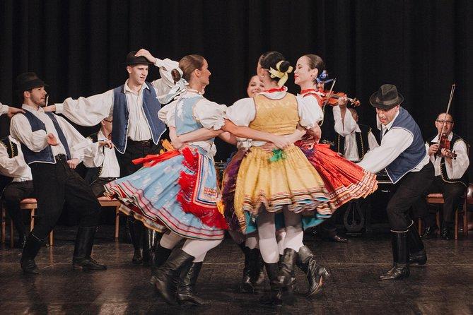 Espectáculo de danza húngara con crucero nocturno