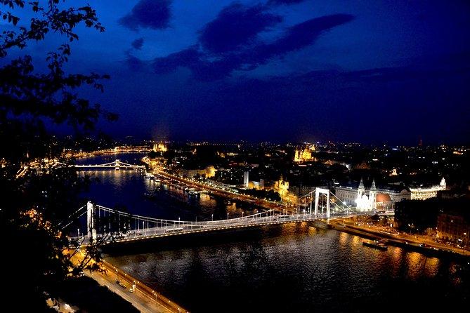 Nachthelikoptervlucht in Boedapest