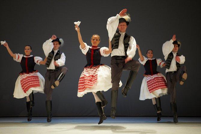 Espectáculo de danza húngara con visita guiada exclusiva y cena y crucero opcionales