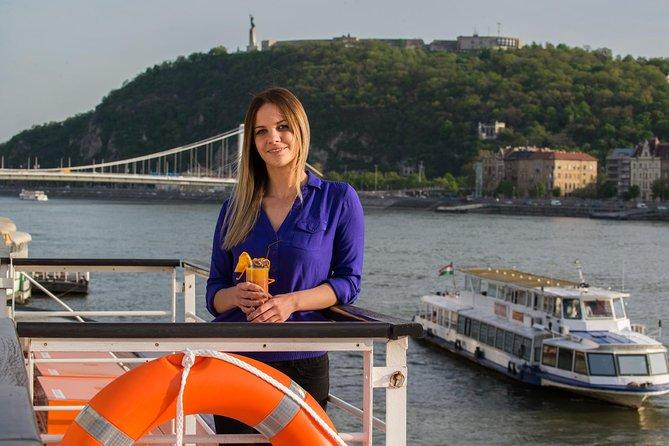 Crucero turístico por Budapest por el Danubio