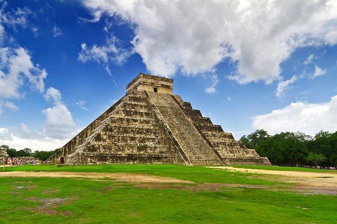 Cancun Combo: Chichen Itza Tour plus Isla Mujeres Catamaran Sail with Snorkeling