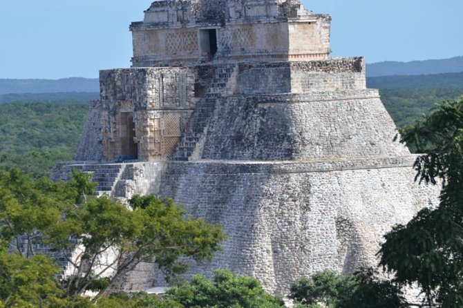 Uxmal & Kabah Day Trip Plus Mayan Planetarium from Merida